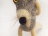 grijze wolf van hondewol en schapenwol
